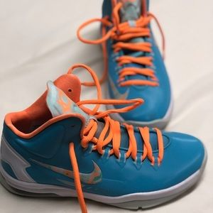 Kevin Durant size 5.5/6 boys